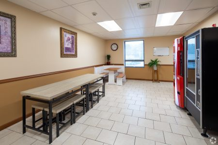 715-Twining-Rd-Dresher-PA-Community-Kitchen-21-LargeHighDefinition